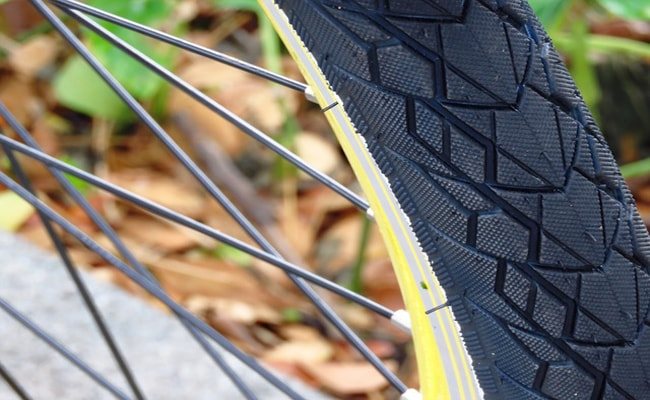 Road Bike vs Mountain Bike Tires